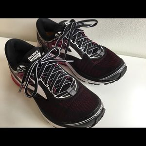 Brooks Ghost 10 running shoes size 6.5